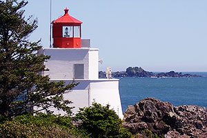 Uclueet Lighthouse, Wild Pacific Trail, Ocean Mist gGuesthouse
